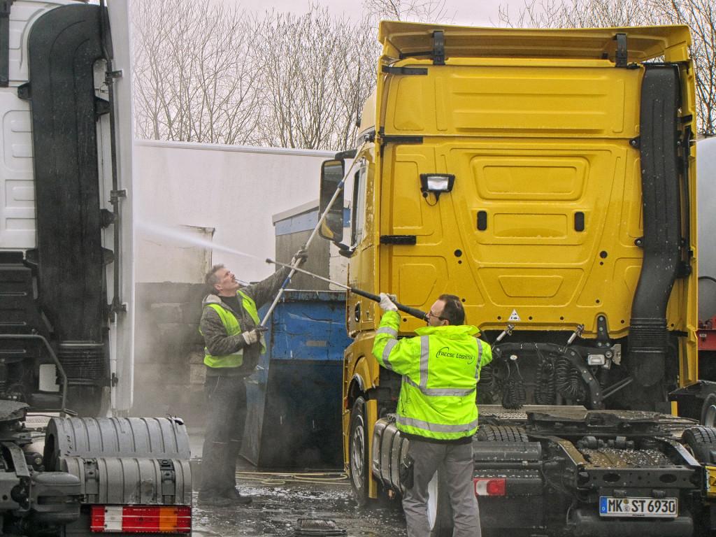 Reinigung der LKW