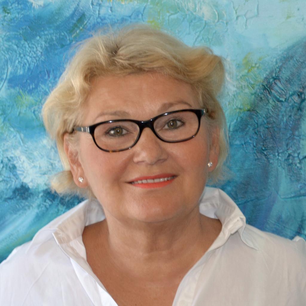 Rita Treese, Büro