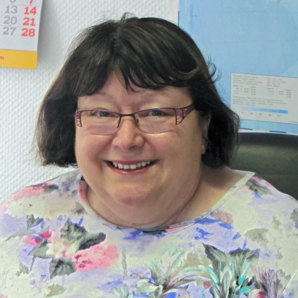 Marie-Luise Behrenberg, Büroleitung